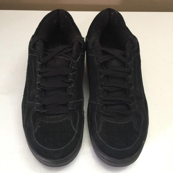 e43b4534b1 VANS Men s Camacho Black Skate Shoe Size 8.5. M 5afe36be077b97e1053d81cc
